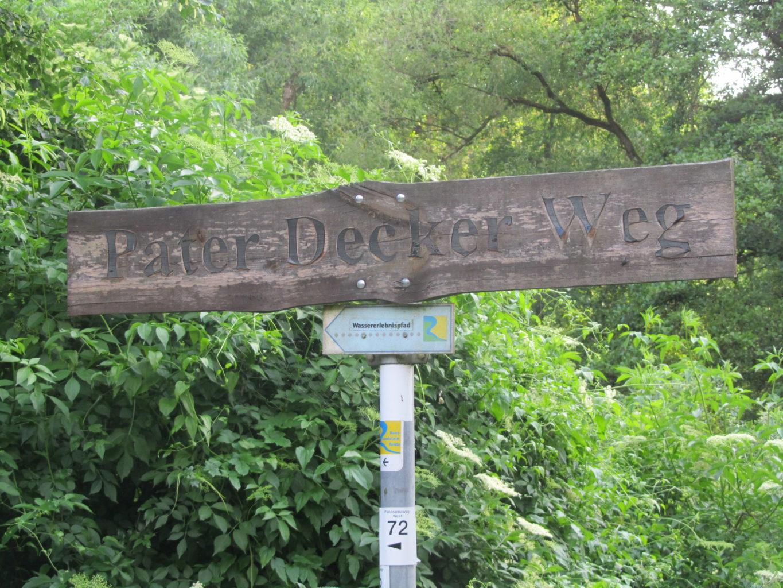 Schild am Pastor-Decker-Weg