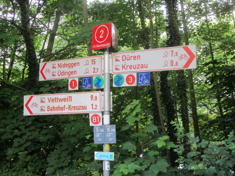 Wegweiser des Ruruferradwegs am Windener Weg
