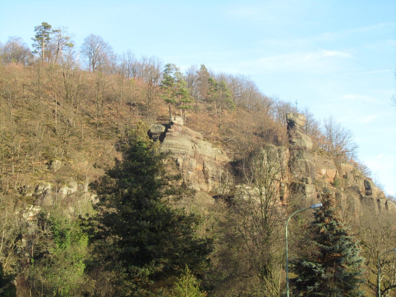Buntsandsteinfelsen der Hochkoppel bei Untermaubach