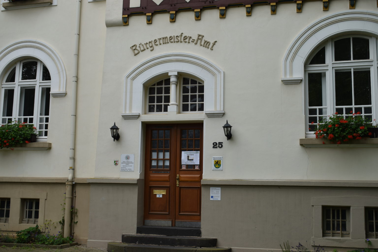 Rathaus Nörvenich Eingang